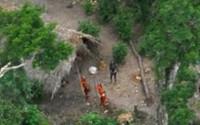 TRIBU INDÍGENA EN EL AMAZONAS